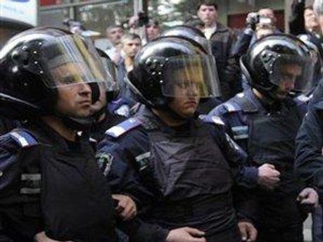 Звичайні підрозділи посиляться внутрішніми військами МВС України