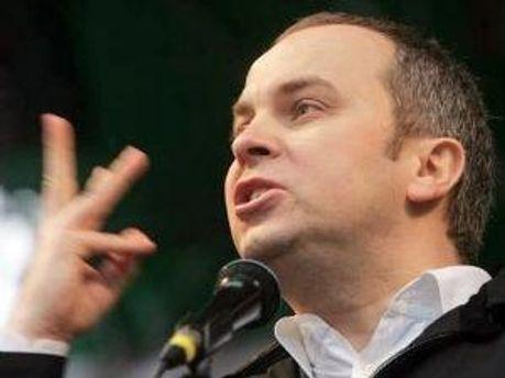 Шуфрич відмовляється від державної зарплати в користь благочинності