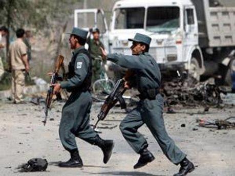 У Кабулі підірвали автомобіль