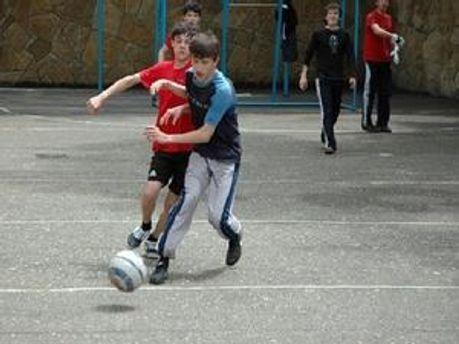 Хлопець помер під час гри у футбол