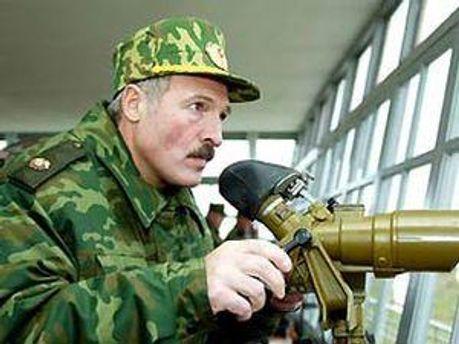 Олександр Лукашенко наступає на опозицію
