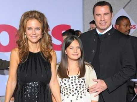 Джон Траволка та Келлі Престон з донькою