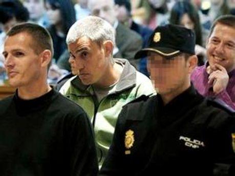 Терористи у залі суду