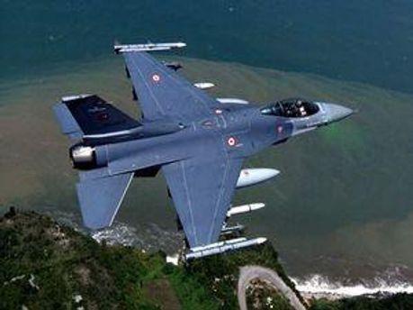 Винищувач F-16 турецьких ВПС