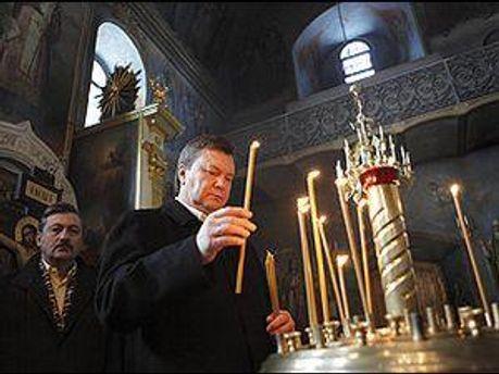 Віктор Янукович часто відвідує церкву