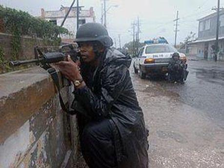 Поліція Ямайки веде боротьбу із наркомафією