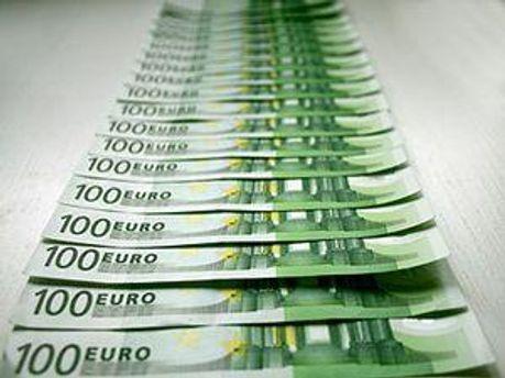 У цілому до 1 травня в Україні діяло 176 банків з 195 зареєстрованих, 18 банків перебувають у стадії ліквідації.