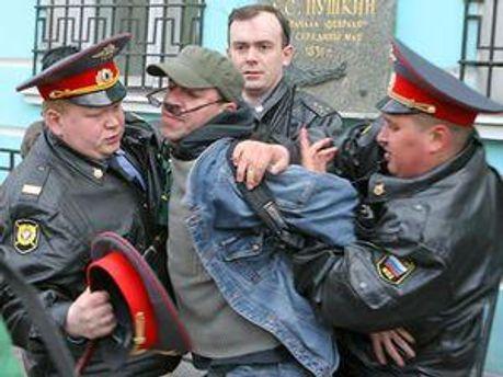 Українських міліціонерів часто звинувачують у надмірній жорстокості