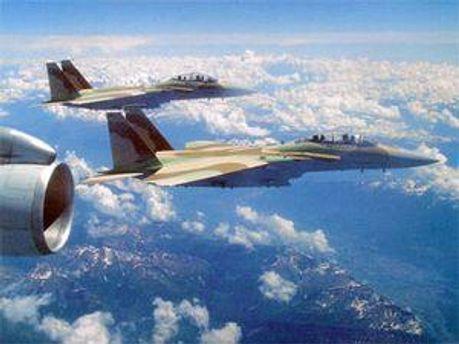 Ізраільські літаки випустили п'ять ракет по зруйнованому аеропорту у Рафаху