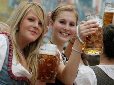 Октоберфест - найбільший пивний фестиваль у світі