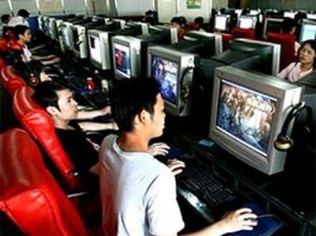 Геймери по 10 годин проводили у інтернет-клубах