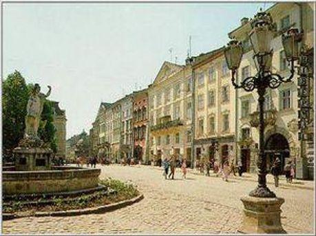 Туристів у Львові оберігатиме міліція