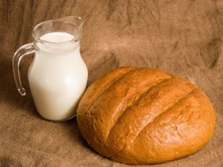 Хліб і молоко подорожчають