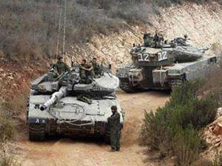 Ізраїльські танки рухаються до кордону із Ліваном