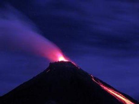 Виверження вулкану Карангетан