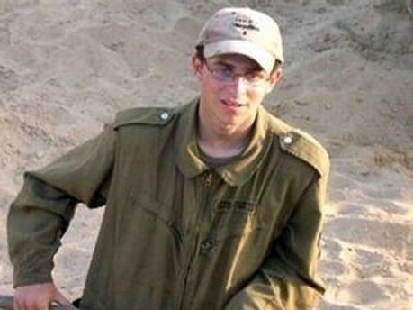 За даними джерела на зустрічі обговорювалась і доля солдата Шаліта, який вже кілька років перебуває у полоні ХАМАСу