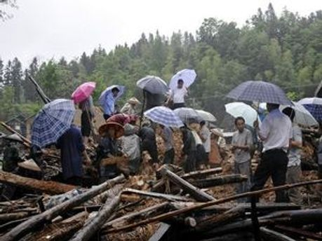 Від повені в Китаї постраждали 20 тис. людей