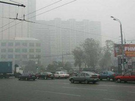 Через смог аеропорти скасовували рейси