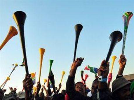 Англійські клуби бойкотують вувузели
