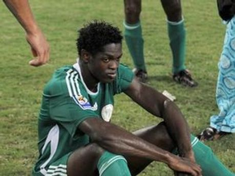 Засмучений Адолейє після вильоту Нігерії з ЧС-2010