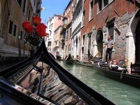 У Венеції поклали кінець пануванню чоловіків-гондольєрів