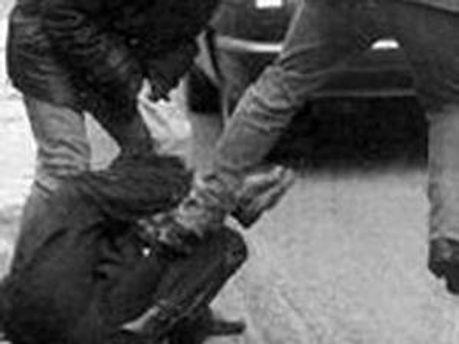 Двоє невідомих побили журналіста