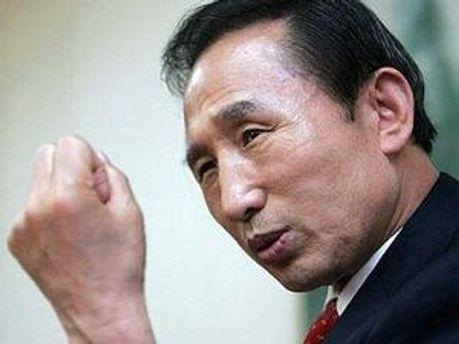 Лідер Південної Кореї Лі Мен Бак