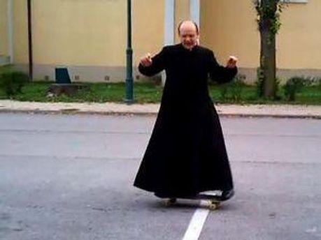 Отець Золтан Лендвай
