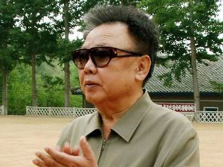 Кім Чен Ір роздумує, кому віддати владу