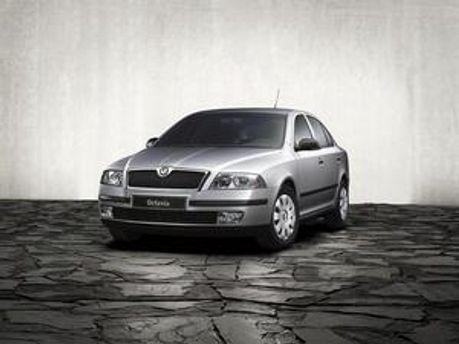 НБУ придбав автомобілів Skoda Octavia A5 на 1,81 млн. гривень