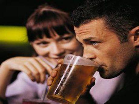 Для п'яних чоловіків всі жінки красиві