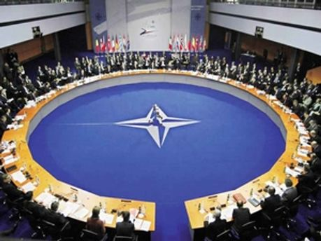 НАТО ухвалило рішення про доставку гуманітарної допомоги в Пакистан