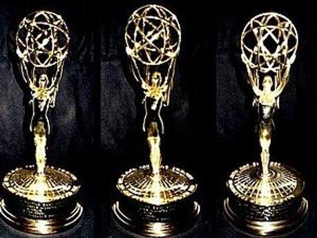 Золоті статуетки премії Еммі