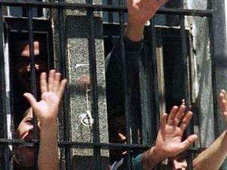 У Душанбе з СІЗО втекли 25 особливо небезпечних злочинців