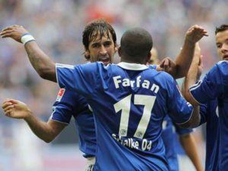 Рауль вітає Фарфана
