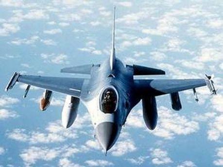 Винищувач F-16