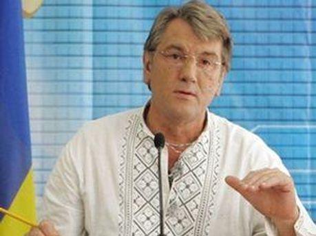Віктор Ющенко зможе безкоштовно кататися у тернопільських тролейбусах