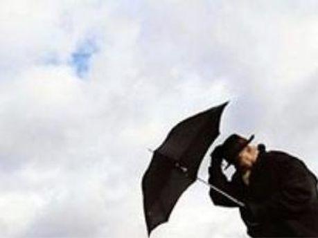 В Україну повертаються дощі і вітри