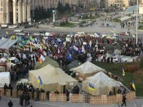 Наметове містечко підприємців на Майдані