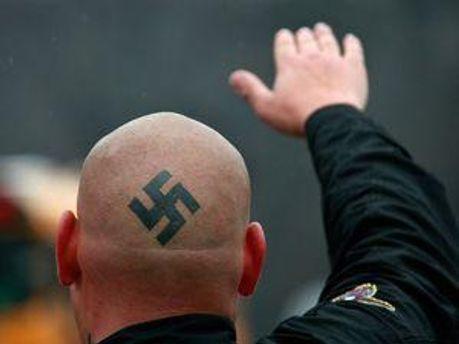 У Німеччині розвивається рух неонацистів