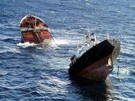 Один член екіпажу загинув, капітан судна вважається зниклим безвісти
