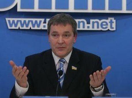 Вадим Колесніченко шукає факти у