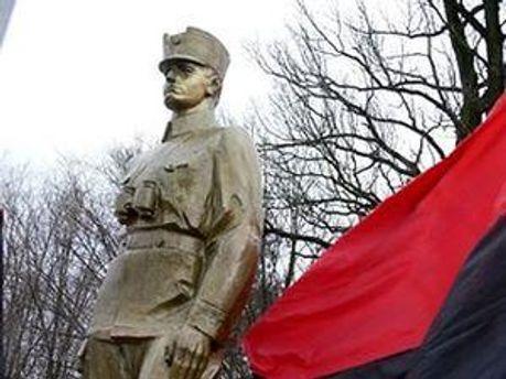 Пам'ятник Роману Шухевичу