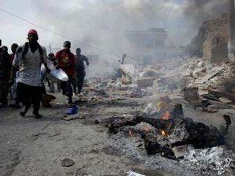 Більшість урядів, які обіцяли допомогти Гаїті, свої обіцянки не виконали