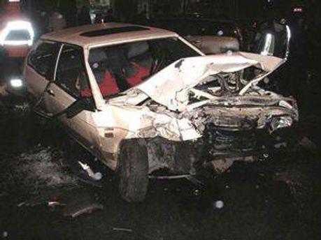 Обидва водії і троє пасажирів отримали тілесні ушкодження