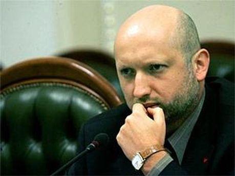 Олександр Турчинов вважає, що геройство не залежить від указів