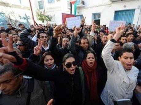 У Тунісі військові почали стріляти по мирним жителям