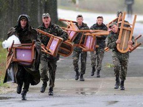 Українська армія не має чим воювати