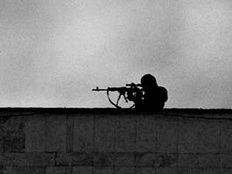 Стріляли, можливо, х даху сусіднього будинку, — правоохоронці