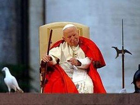За повідомленням Ватикану Івану Павлу Другому належить як мінімум одне чудо